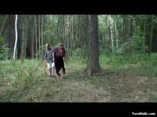 بنات علريه في الغابه